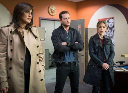 Watch Law & Order: SVU Season 16 Episode 7 Online