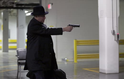Red Shoots the Bad Guy - The Blacklist Season 5 Episode 22