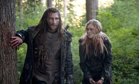 Roan Leads Clarke - The 100 Season 3 Episode 2