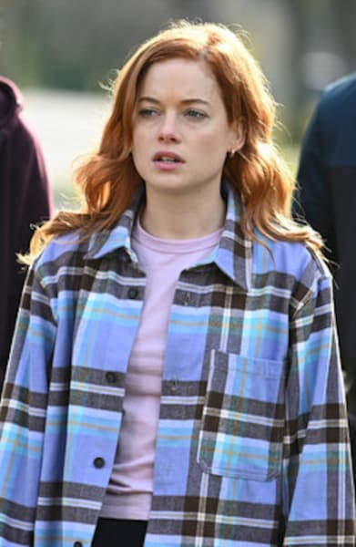 Zoey unsure - Zoey's Extraordinary Playlist Season 2 Episode 5