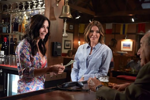Running the Bar - Cougar Town