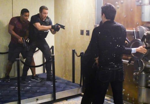 Into the Vault - Hawaii Five-0 Season 8 Episode 7