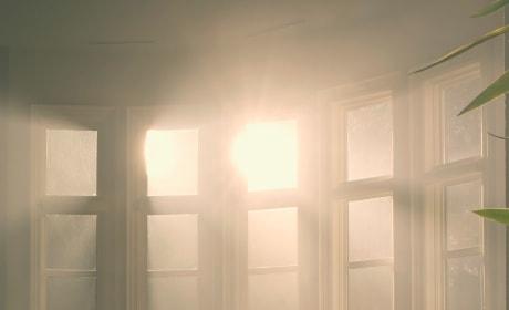 The Sun Room - The Handmaid's Tale Season 3 Episode 4