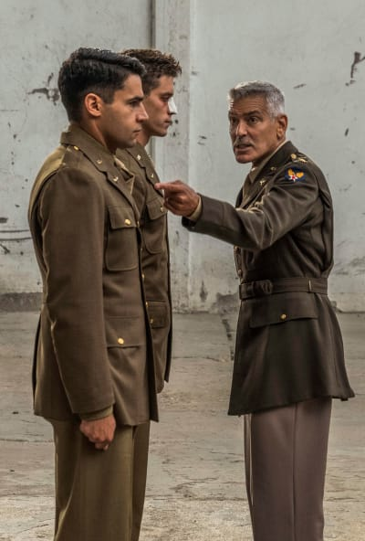 Pointing the Finger - Catch-22 Season 1 Episode 1