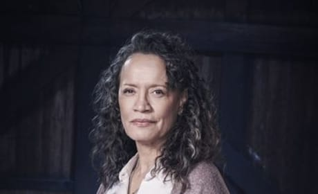 Rena as Helen