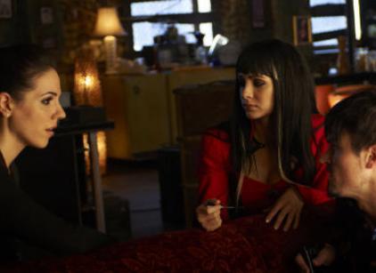 Watch Lost Girl Season 3 Episode 3 Online