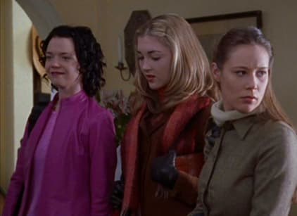 Watch Gilmore Girls Season 1 Episode 13 Online