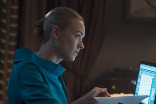 Serena at Work - The Handmaid's Tale Season 2 Episode 8