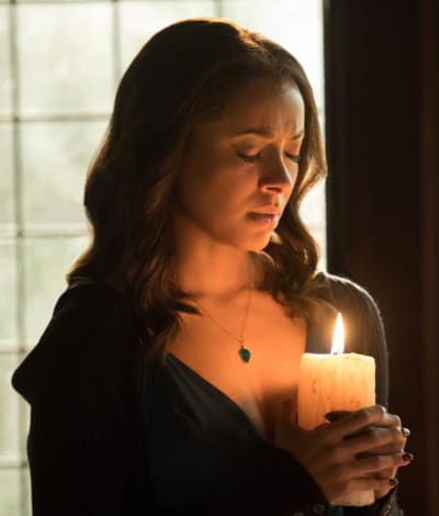 Bonnie Casting a Final Spell - The Vampire Diaries
