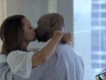 Kissing on Single Ladies