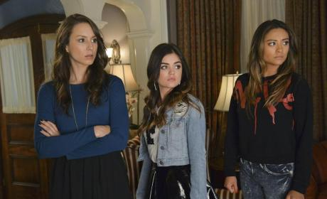Unhappy Girls - Pretty Little Liars Season 5 Episode 12