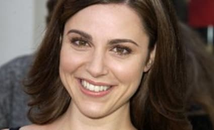 Cara Buono Cast as Tommy's Girlfriend on Brothers & Sisters
