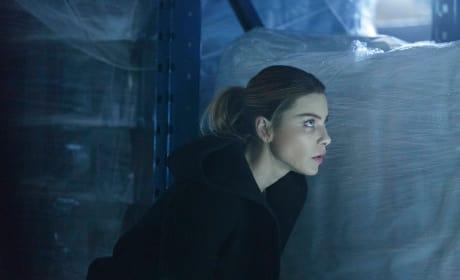 Hiding - Lucifer Season 1 Episode 13