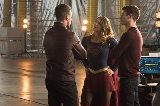 Arrow and Supergirl Meet - The Flash Season 3 Episode 8