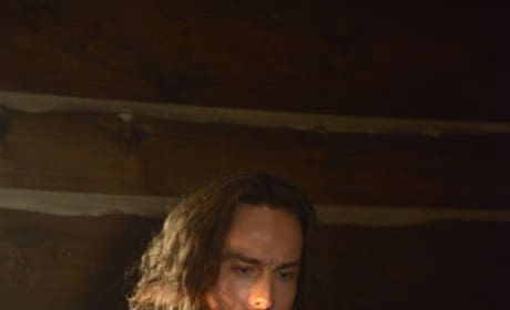 Ichabod tries Yoga - Sleepy Hollow Season 2 Episode 6
