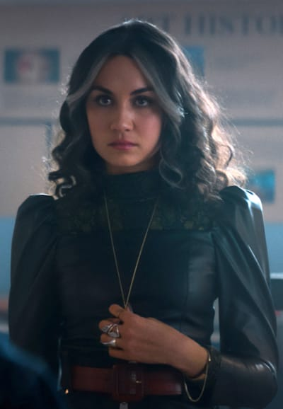 Cindy recruit - Stargirl Season 2 Episode 5