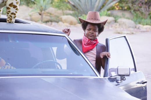 Jasper drives a car - The Last Man on Earth Season 4 Episode 8