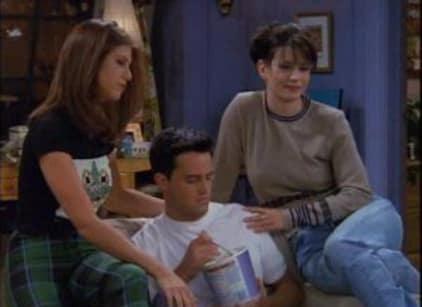 Watch Friends Season 3 Episode 4 Online