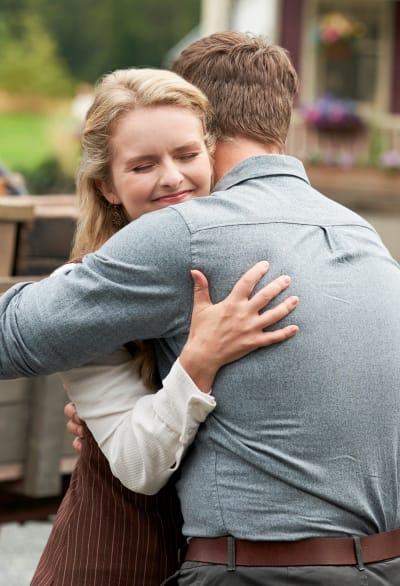 Faith and Carson Reunite - When Calls the Heart Season 8 Episode 1