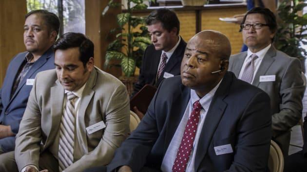 Grover goes undercover - Hawaii Five-0 Season 7 Episode 12
