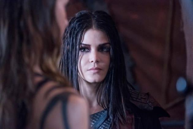 Octavia Examines an Unpleasant Situation  - The 100 Season 5 Episode 6