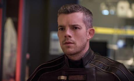 Where Did The Helmet Go - Arrow Season 6 Episode 8
