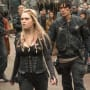 Clarke the Savior? - The 100 Season 4 Episode 1