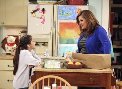 Watch Cristela Season 1 Episode 11 Online