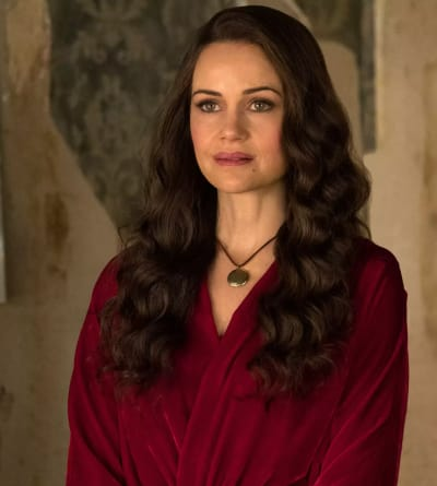 Carla Gugino on The Haunting of Hill House