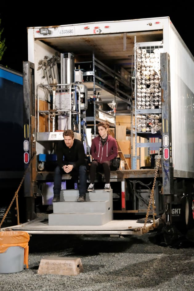 Rachel and Jeremy sit in grip truck - Wide Shot - UnREAL Season 3 Episode 9