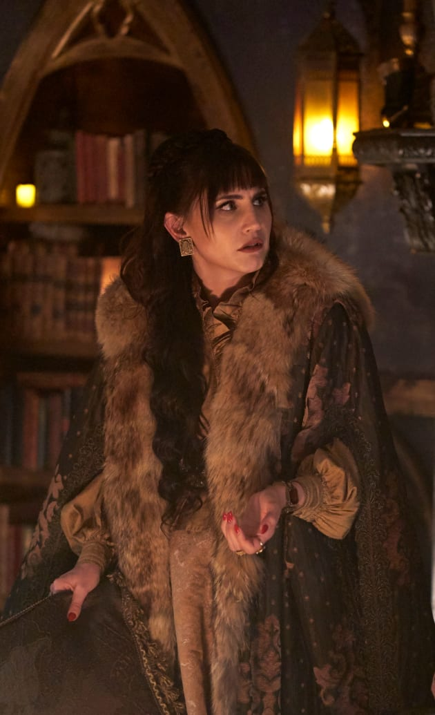 Nadja on the Prowl - What We Do In The Shadows Season 1 Episode 3