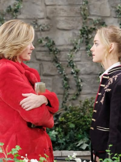 Double Crossing Her Enemy - Days of Our Lives